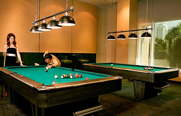 The-Park-Chidlom-Bangkok-condo-snooker
